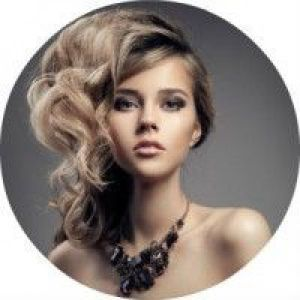 6 Способів, як зробити гарну зачіску на бік