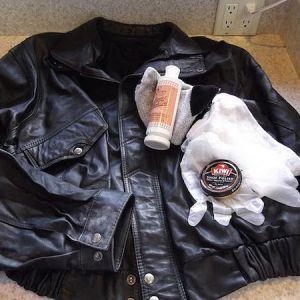 Безвідмовні способи як почистити шкіряну куртку в домашніх умовах