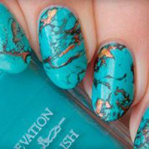 Бірюзовий дизайн нігтів - фото манікюру