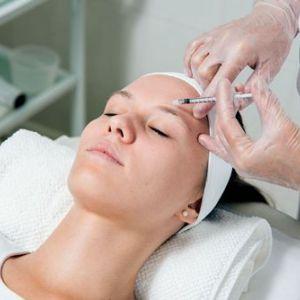 Ботулотоксин в косметології: панацея чи небезпечні ігри?