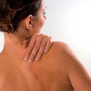 Якщо з`являються прищі на спині у жінки то які причини