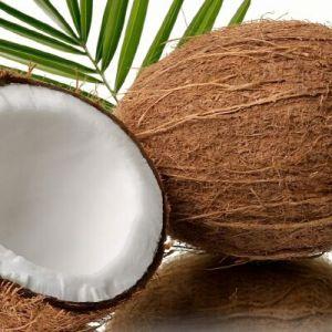 Використання кокосового масла для волосся: максимум поживних речовин