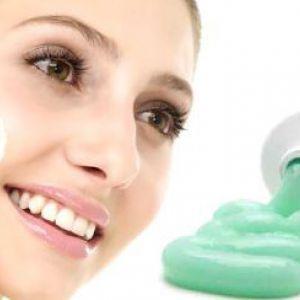 Як використовується зубна паста від прищів на обличчі?