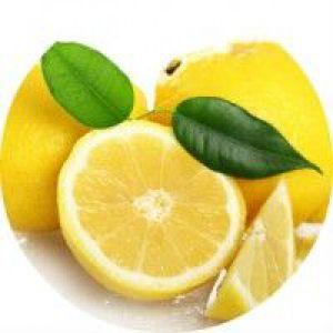 Як освітлити темне волосся за допомогою лимонного соку