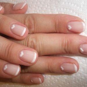 Як зробити гелевий манікюр будинку: ідеальний варіант для проблемних нігтів
