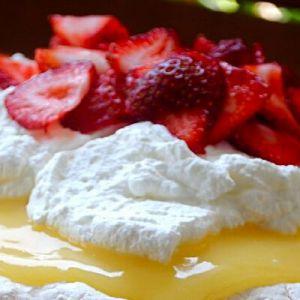 Як зробити крем для пирога: найсмачніша солодкість