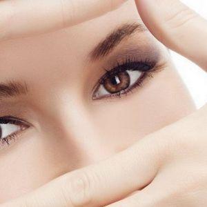 Як прибрати зморшки навколо очей і гусячі лапки народними засобами