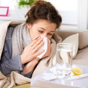 Коли проявляються перші симптоми грипу?