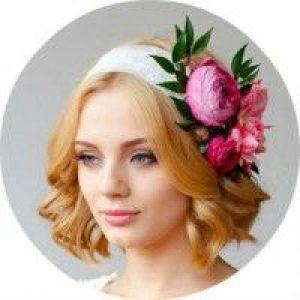 Красиві святкові зачіски на середні волосся, які можна зробити своїми руками