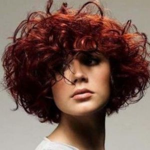 Маски для фарбованого волосся в домашніх умовах