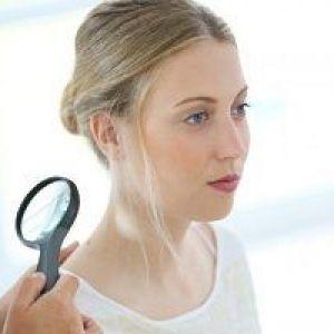 Чи можна видаляти бородавки чи не можна? Що робити, якщо після виведення опух палець або болить це місце?