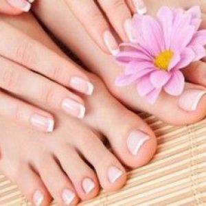 Відрощує красиві і здорові нігті самостійно!