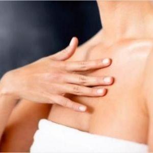 Чому з`являється висип на грудях?