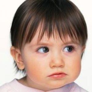 Чому з`являється висип на обличчі у дитини?