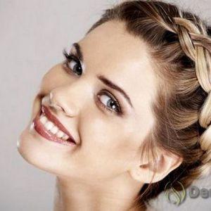Зачіски для свята і на кожен день з плетінням на середні волосся