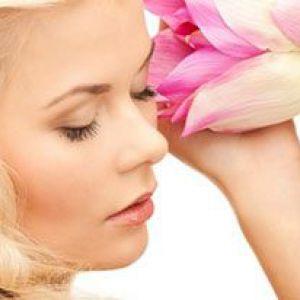 Причини і лікування підшкірних прищів на обличчі