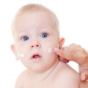 Причини, лікування і профілактика білих прищиків у новонародженого на обличчі