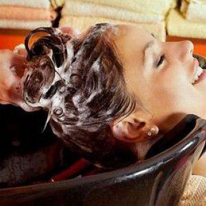 Професійні і домашні засоби змивання фарби з волосся