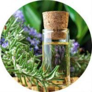Рецепти застосування ефірного масла розмарину для догляду за волоссям