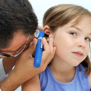 Симптоми і лікування отиту у дітей