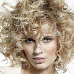Стрижки 2016 на кучеряве волосся