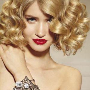 Кудрі на зачіску каре: легке перетворення