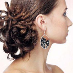 Вечірні зачіски пучок з волосся: покрокова інструкція