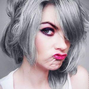 Вибираємо натуральну фарбу для сивого волосся